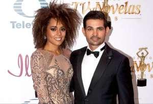La esposa de Ferdinando Valencia asombra con su cambio de look y contesta a quienes la critican