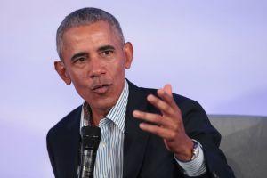 """Obama: Trump está más preocupado en """"suprimir el voto que en suprimir el virus"""""""