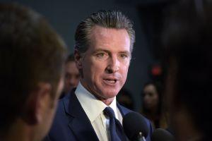 Gobernador de California cobró el salario completo a pesar de promesa de recortarlo