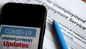 Las solicitudes de desempleo iniciales caen por debajo del millón
