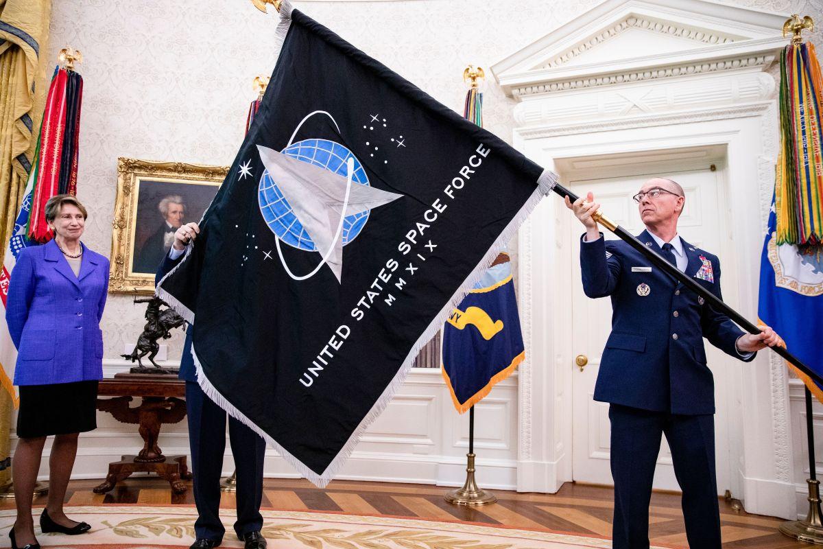 Condado de Los Ángeles nomina a Palmdale para ser la sede de la Fuerza Espacial de Estados Unidos