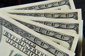 ¿Qué ayudas económicas incluye el plan de estímulo bipartidista presentado en el Senado?