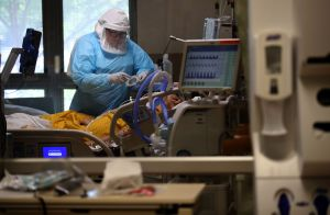 Hospitalizaciones por coronavirus caen en un 19% en California