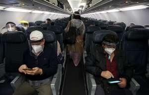 """Sacan a pasajera de avión de Frontier Airlines por no usar mascarilla: """"Adiós, Karen"""""""