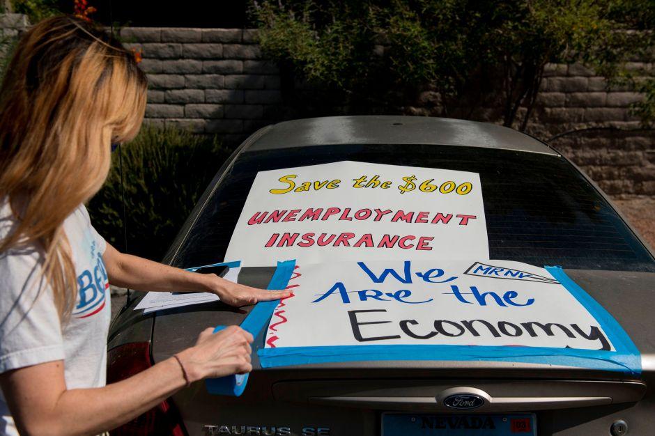 Las peticiones de ayuda al desempleo aumentan, los despidos no cesan