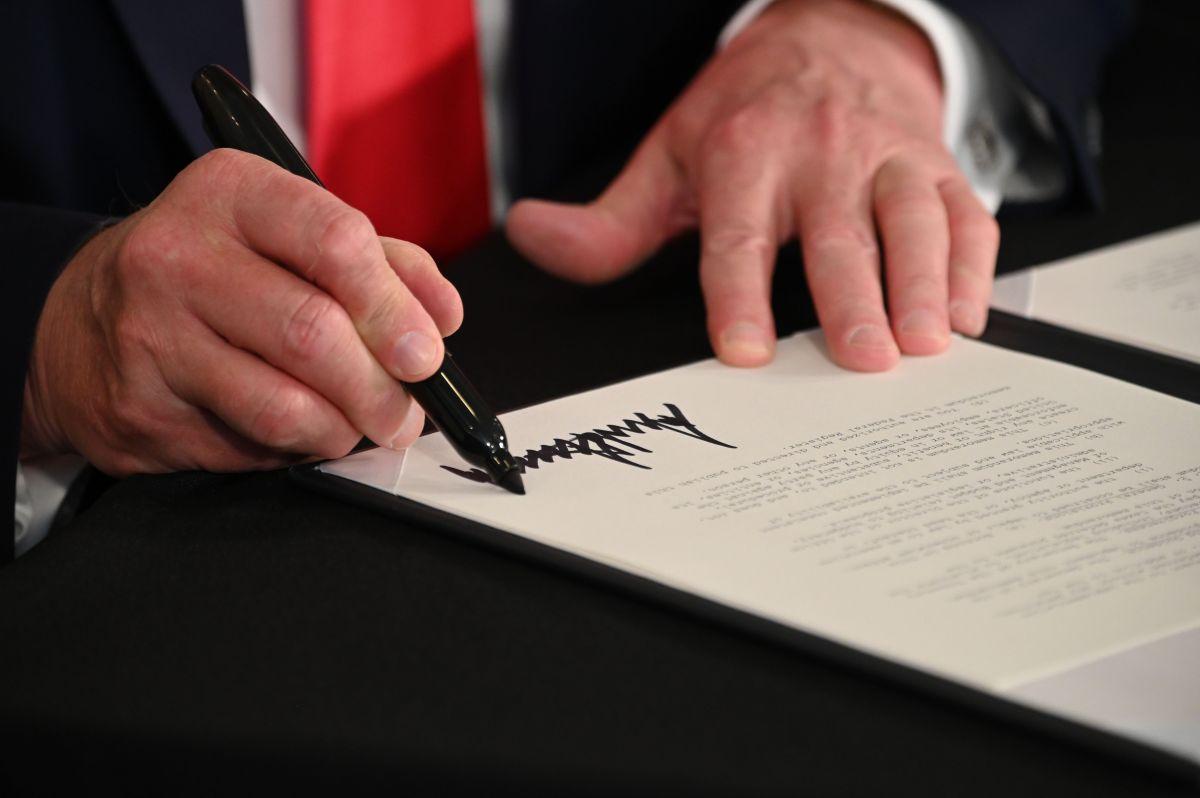 Trump quiere ordenar $300 mil millones en fondos de préstamos de la Fed para cheques de estímulo; el Congreso debe decidir