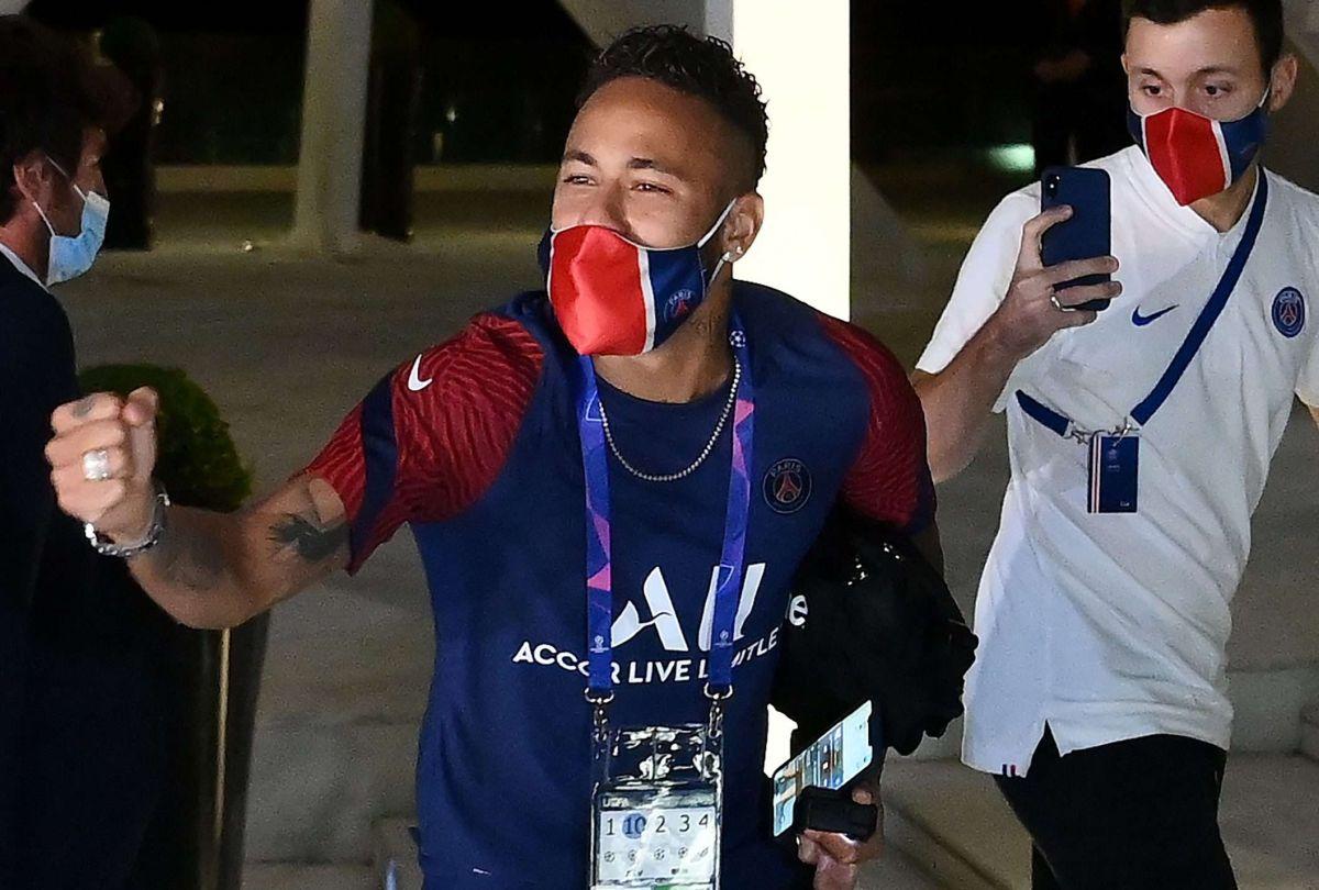 Neymar estuvo enloquecido tras ganarle al Leipzig.