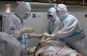 El coronavirus SÍ escapó de un laboratorio en China y se originó en una mina llena de excremento de murciélago en 2012