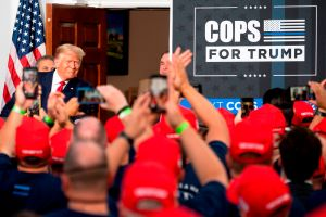 """NYPD """"promete"""" que apoyo sindical a Trump no afectará su trabajo en las elecciones"""