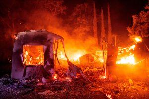 Los evacuados por los incendios de California empiezan a regresar a sus casas