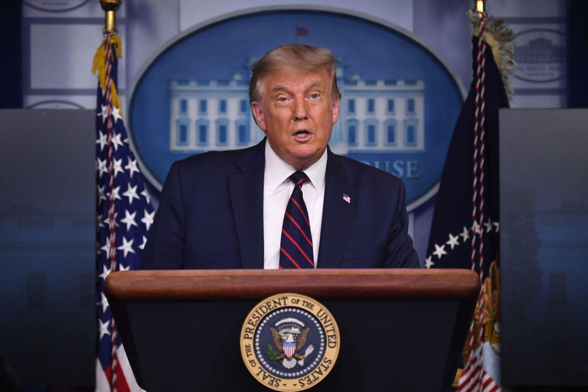 Trump anuncia autorización de emergencia de tratamiento con plasma para pacientes con coronavirus