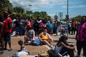 Huracán Laura: Más de medio millón bajo órdenes de evacuación en Texas y Louisiana