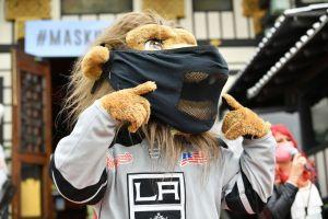 L.A. Kings suspenden a su mascota Bailey tras acusaciones de acoso sexual en su contra
