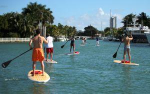 Encuentran a un hombre de Miami que se había perdido tras salir a pasear con su paddleaboard