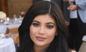 El público no perdonó a Kylie Jenner por postear banalidades el día de las elecciones