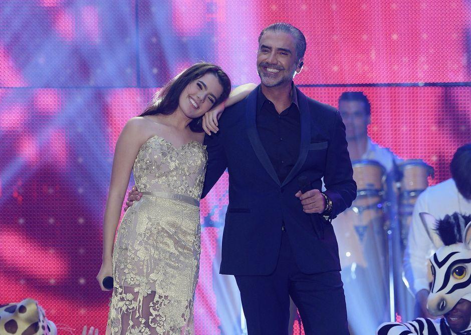 ¡Se casó! Alejandro Fernández entrega en el altar a su hija Camila de tan solo 22 años (VIDEO)