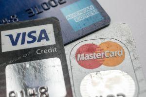 Se terminaron los $600 dólares de ayuda por desempleo, qué hacer si no puedes pagar tus tarjetas de crédito