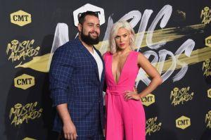 Rusev, ex estrella de la WWE, es baneado de Twitch por subir videos de su sexy esposa Lana en bikini