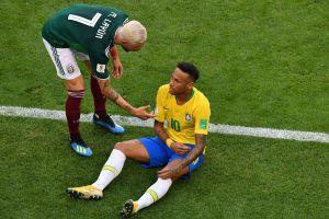 """""""Me cae gordo. Le voy a meter un cabezazo"""": Miguel Layún arremetió contra Neymar por llorón"""
