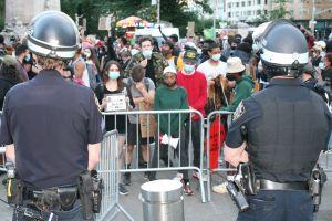 Protesta en apoyo a inmigrantes en huelga de hambre detenidos por ICE dejó varios heridos en Nueva York