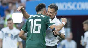 """""""Era como un padre"""": Héctor Herrera critica a la afición mexicana por no valorar a Juan Carlos Osorio"""