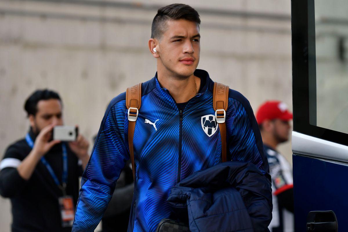 """De """"Cachorro"""" a Lobo: César Montes podría llegar al Wolverhampton con Raúl Jiménez"""