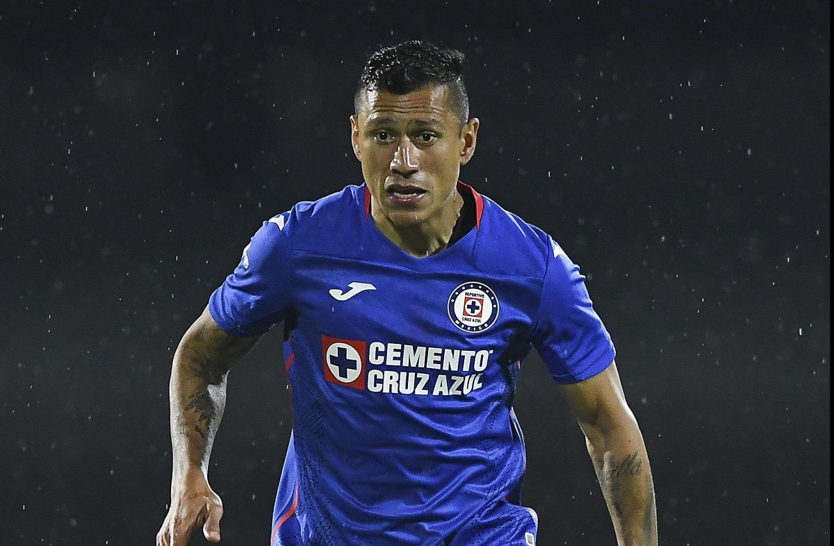 Domínguez se sintió mal tras el duelo ante Puebla.
