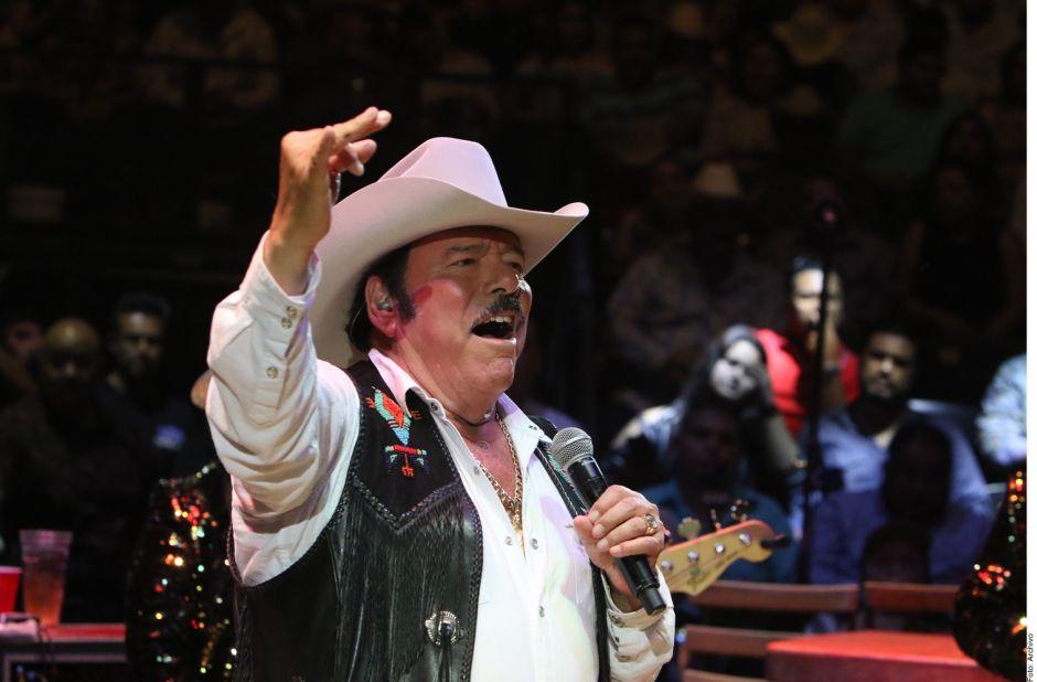 Milagrosa recuperación de Lalo Mora: el cantante salió de terapia intensiva de COVID-19
