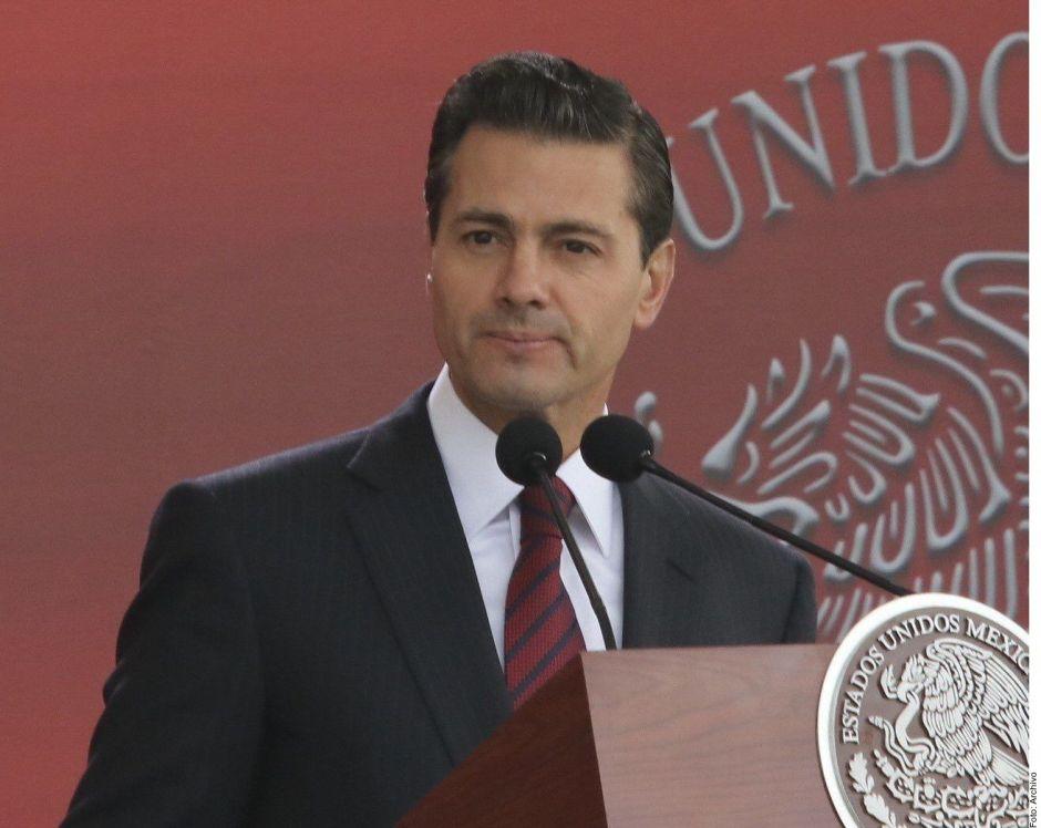 Peña Nieto , entre el amor, las acusaciones de Lozoya y su autoexiliado en España