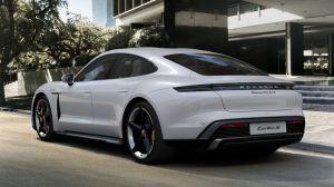 Video: Tesla Model S Performance vs Porsche Taycan Turbo S en un duelo sin igual