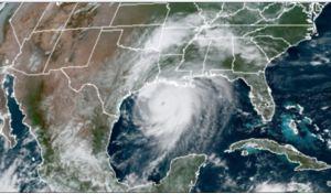 """Laura se convierte en """"destructivo"""" huracán categoría 4 cada vez más cerca de Louisiana y Texas"""