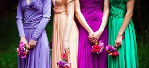 5 estilos de vestidos elegantes y llamativos que puedes usar en una boda sin gastar mucho dinero