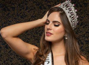 La Miss México, Sofía Aragón, deslumbra con su belleza frente al mar en traje de baño
