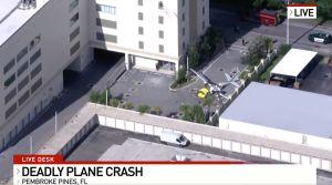 Se estrella un avión en un vecindario de Broward, al norte de Miami