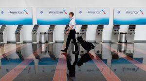 American Airlines suspenderá de sus labores a 19,000 empleados debido a la crisis