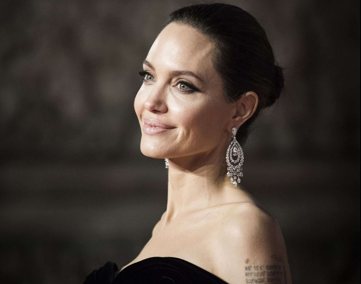 Las fotos de Angelina Jolie en la casa de un ex que generaron rumores
