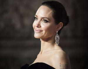 El discreto auto que Angelina Jolie manejaba cuando estaba casada con Brad Pitt