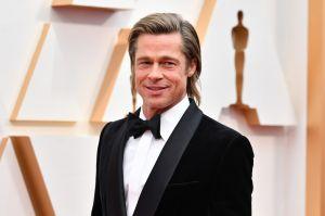 Brad Pitt disfruta, con su nueva y joven novia, el castillo francés donde se casó con Angelina Jolie