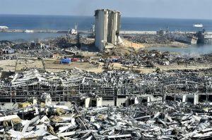 Aumenta a 137 los muertos y 5,000 heridos por explosiones en Beirut