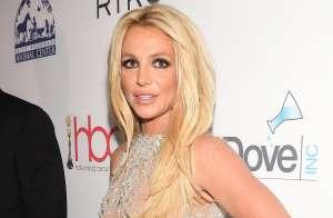 Britney Spears y el hermoso Jaguar blanco en su colección de coches