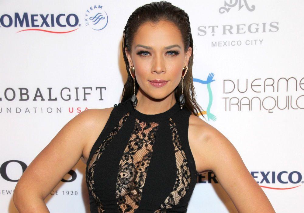 """Carolina Miranda de """"Señora Acero: La Coyote"""" aclara que no está en peligro ni la quieren violar"""