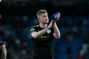 De Bruyne se queda en el Manchester City