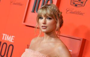 Taylor Swift dona $30,000 dólares para cubrir las tasas universitarias de una chica de 18 años