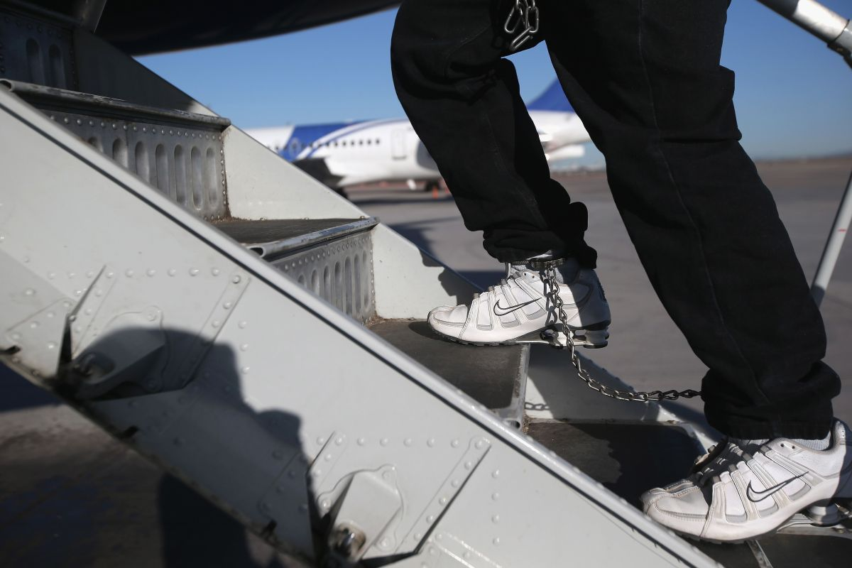 Nuevo examen para ciudadanía de USCIS, un escollo más que facilita la deportación
