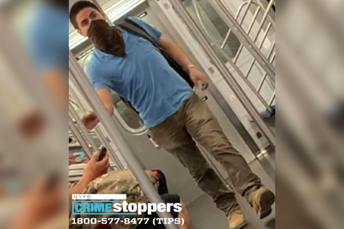 """Insólito: """"sociópata"""" lleva meses rompiendo ventanas del Metro de Nueva York; ofrecen $12.5 mil para atraparlo"""