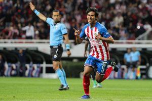 JJ Macías tendría sus horas contadas en Chivas; se iría a España