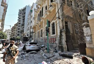 Tras explosión que dejó cientos de muertos en Beirut, libaneses protestan para derrocar al Gobierno