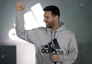 Rebelión total: Leo Messi no se presentó a los test PCR con el Barcelona y la guerra continúa
