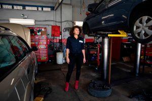Patrice Banks, la famosa mecánica que inspira a las mujeres a reparar sus autos