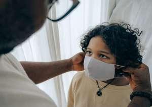 Casi 100,000 niños de EE.UU. dieron positivo por COVID-19 en las dos últimas semanas de julio